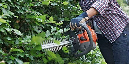 Petrol vs Electric Hedge Trimmer